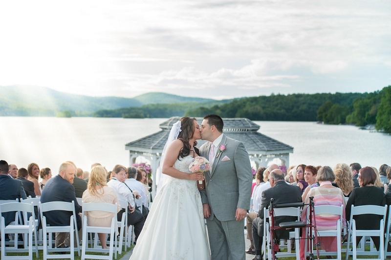 View More: http://keaneeyephotography.pass.us/sara-ray-candlewood-inn-wedding